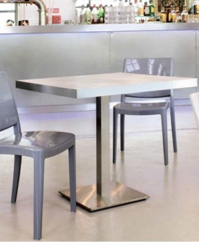 Table pour la restauration divers grandeurs pieds inox